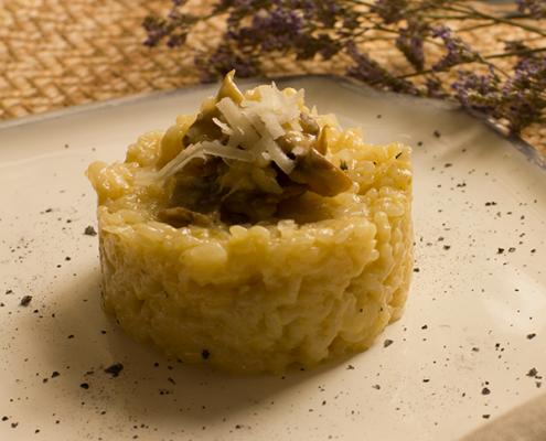 risotto de champiñones y queso parmesano