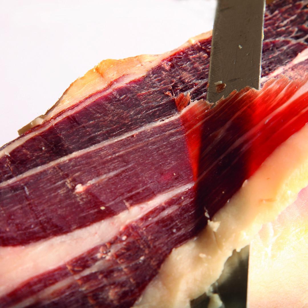 Como abrir, cortar y mantener un jamón ibérico