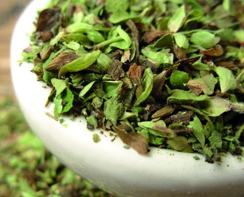 Cómo conservar hierbas aromáticas frescas en aceite de oliva