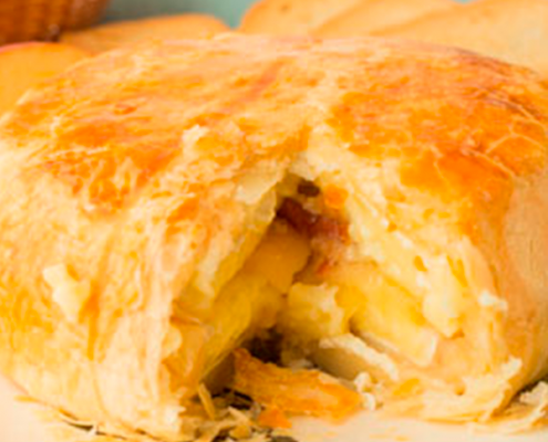 camembert con hojaldre al horno