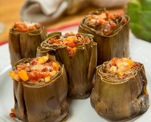 alcachofas al horno con jamón y huevo duro