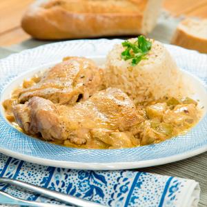 pollo con salsa strogonoff