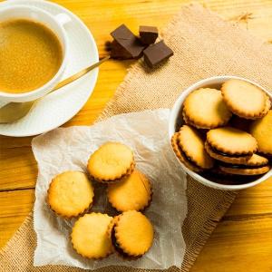 galletas rellenas de chocolate