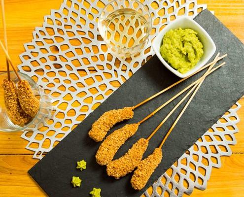 Crujiente de langostinos con guacamole