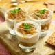 vasitos de pera con crema de yogur