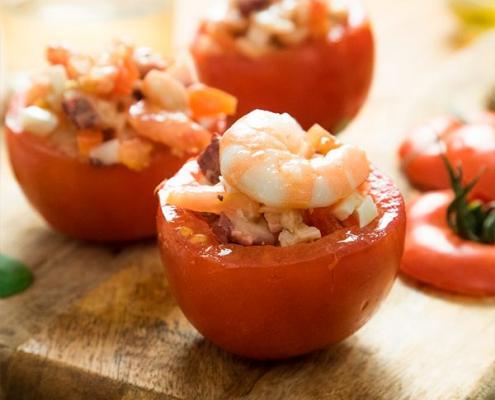 tomates rellenos de marisco