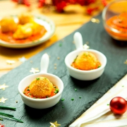 bocaditos de bacalao con salsa de piquillos