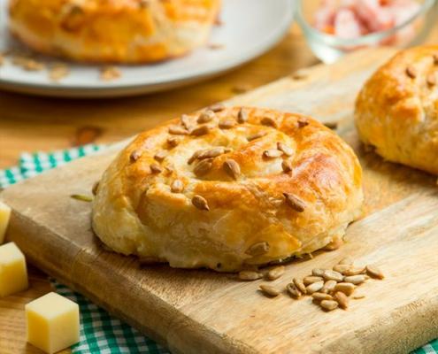 espiral de calabacín, bacon y queso