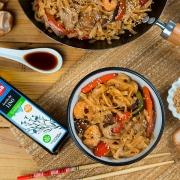 noodles con langostinos y setas