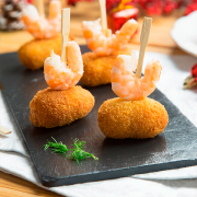 Croquetas de Navidad de bacalao, langostinos y almejas