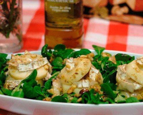 Ensalada templada de pera y queso de cabra