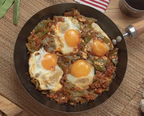 Judías verdes con tomate y huevo