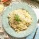 Risotto de queso brie con pollo y champiñones