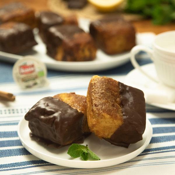 Torrijas de bizcocho con chocolate